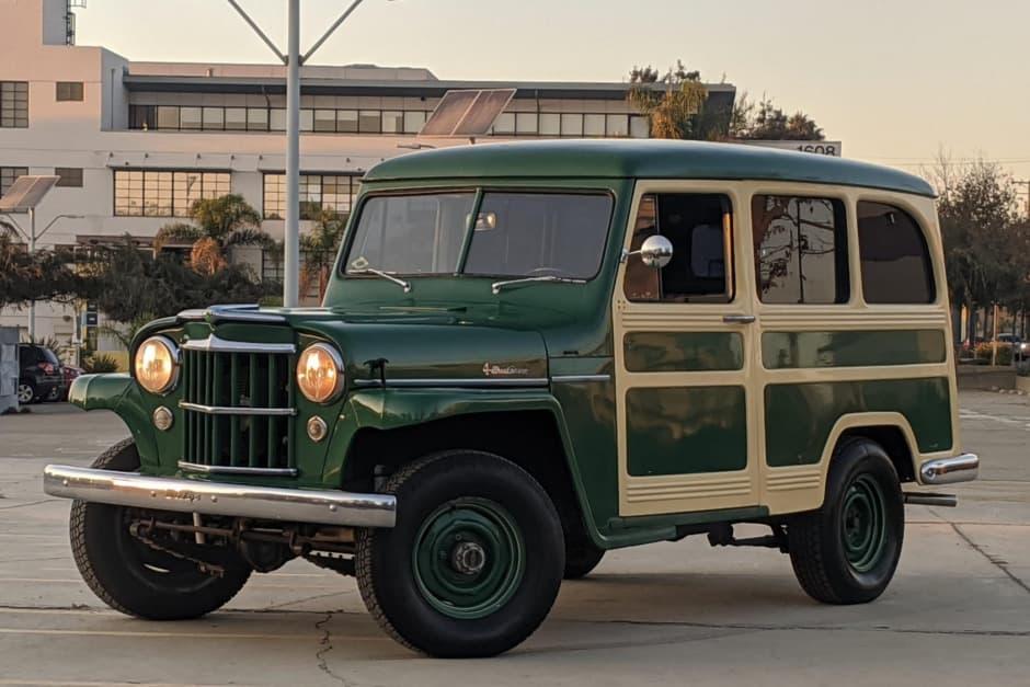 1954 dark green Willy's Station Wagon 4x4